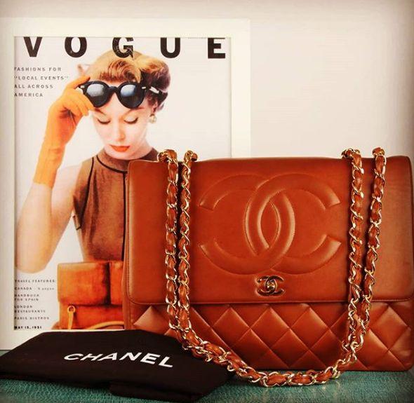 Chanel Vintage Jumbo XL