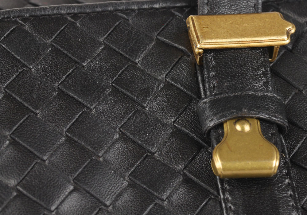 Bottega Veneta tips on Authentication