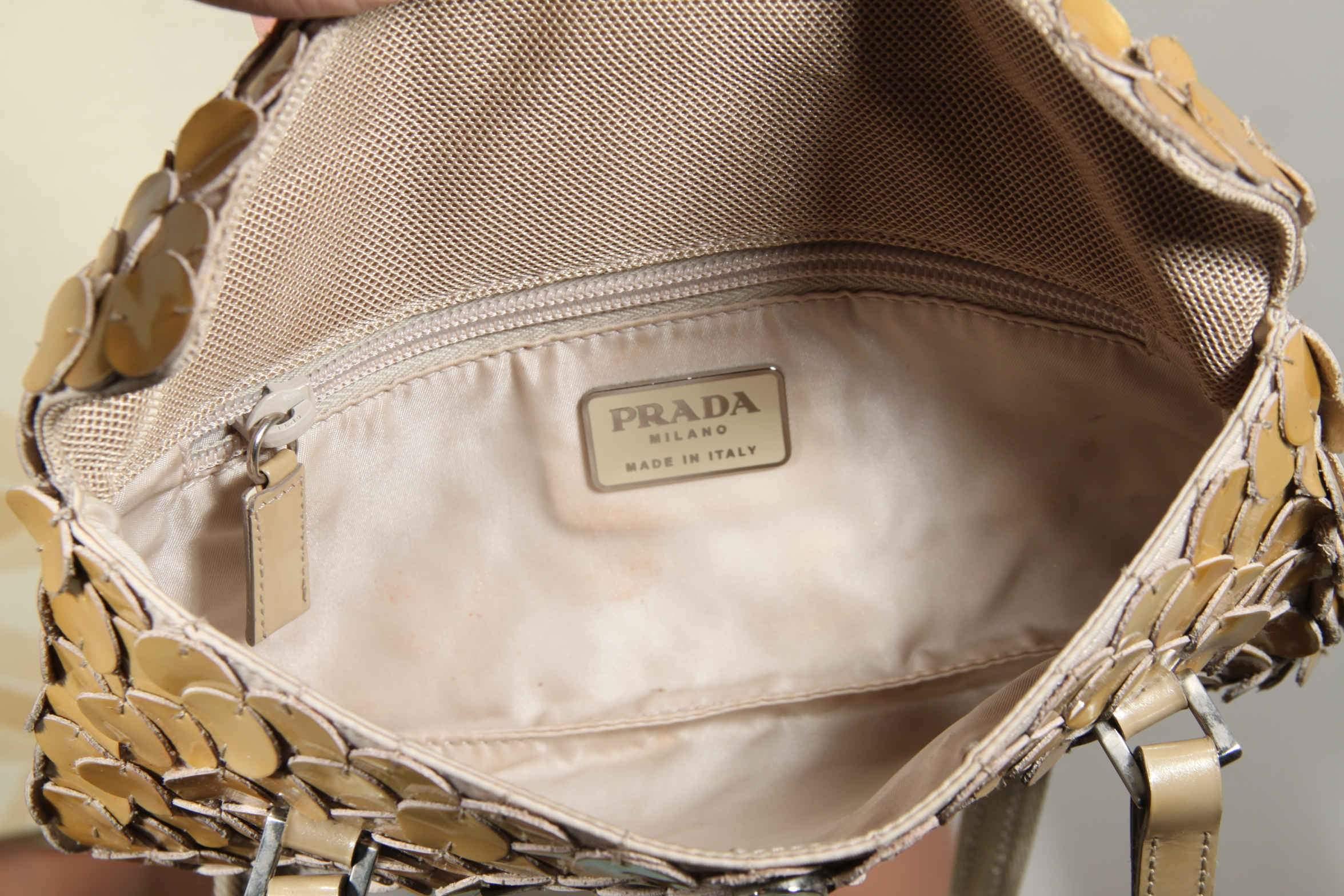 41ae1218c25ae Prada: logos, shapes and details , a close look - VintageMania